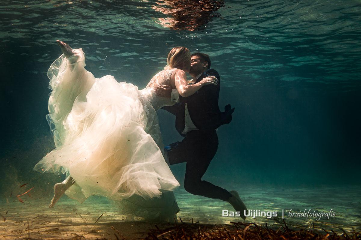 Wat Is Het Beste Moment Om Trouwfoto's Te Maken onderwater