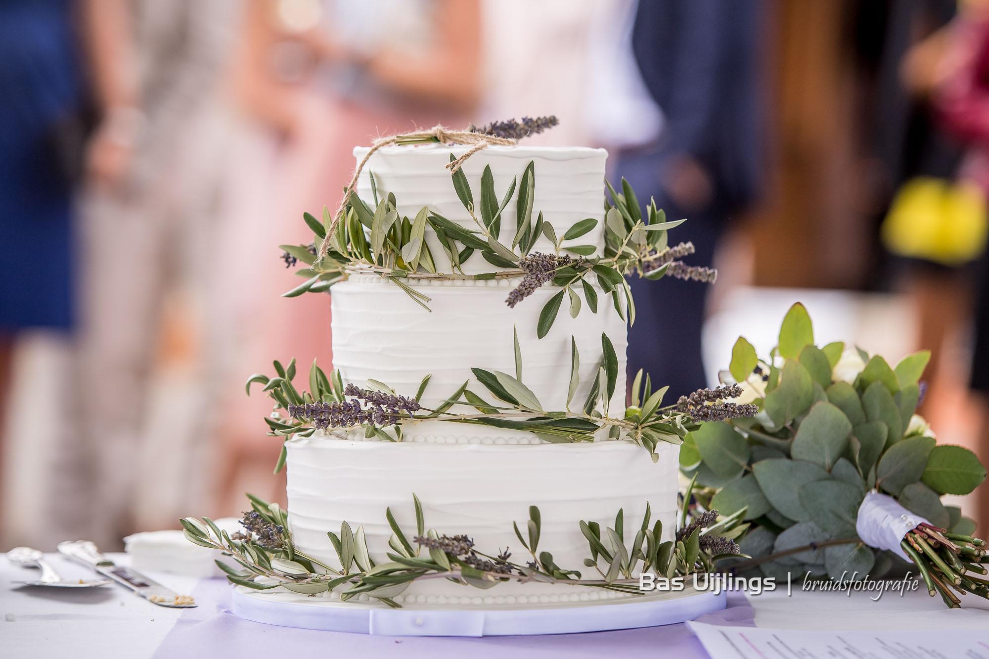Bruidstaart olijf en lavendel