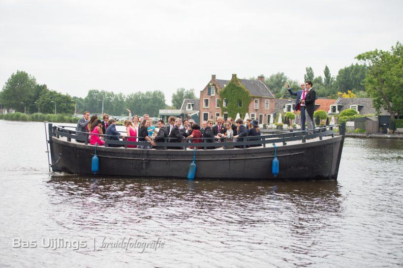 Trouwen in Amstelkerk in Ouderkerk aan de Amstel boottocht