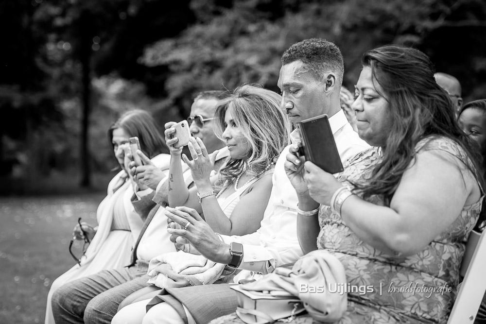 smartphones bruiloft Landgoed Te Werve in Rijswijk