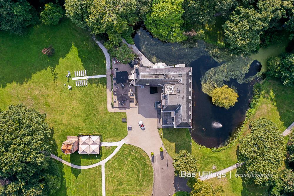 Dronefoto trouwen bij Landgoed Te Werve in Rijswijk