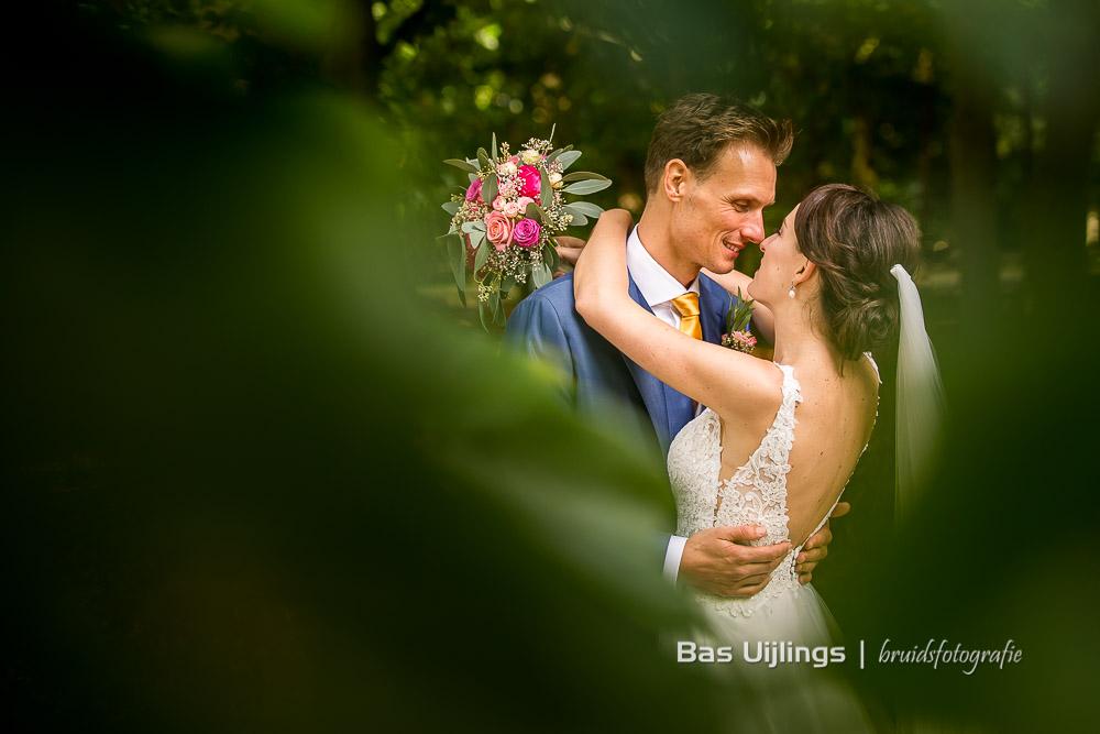 fotoshoot bruidspaar op landgoed Kasteel van Buitenplaats Amerongen